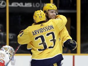Emil Pettersson fick chansen med Nashville Predators under försäsongen ifjol, men Ångesonen väntar fortfarande på sin NHL-debut.