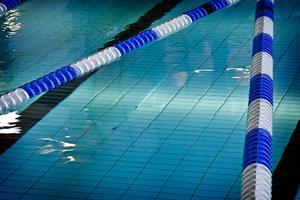 Pojken är en van simmare. Att han hamnade under ytan för länge berodde på en tävling mellan elever, uppger skolchef Andreas Åslin. Arkivbild: Johan Sörensen