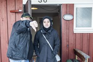 Sakina Machlouch och hennes pappa Fadi är oroliga för att Sakina inte ska få något slutbetyg för grundskolan.