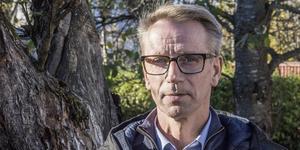 Roy Kvist från Norberg jobbar som medium. Dels hjälper han människor att få kontakt med andra sidan men han kan också heala människor.