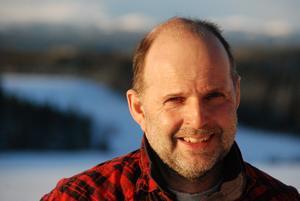 Robert är agronom i botten med byggnadsteknisk inriktning och har ritat och projekterat djurstallar över stora delar av Norrland.