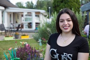 Natasha Gabriella Zazi Moràn spenderar två veckor av sitt sommar lov med släkten i Södertälje.