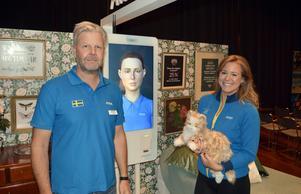 Peter Mann och Therese Bengtner hos Atea visade digitala hjälpmedel för äldreomsorgen på mässan IT-arenan.