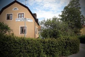 Vivstavarvsvägen och Kramforsgränd, Medelpad och Ångermanland, möts  i Stureby, Stockholm.