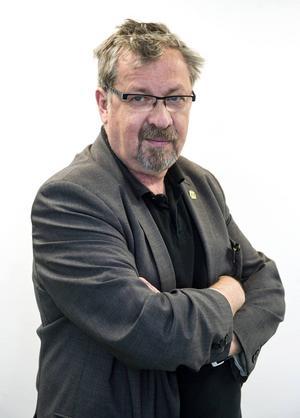 Värna om de som tänker nytt och olika, uppmanar Tomas Melander.