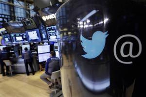 Twitter har stängt ner 360000 konton sedan mitten av förra året – men medger att det finns mycket kvar att göra i kampen mot extremismen på mikrobloggen.    Foto: Richard Drew/AP/TT