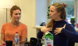 Att gymnasieeleverna får vara med och skapa en musikal från grunden gör att de kommer förstå alla delar i ett stort projekt, menar Lisa Nilsson Sandgren, manus och regi, samt koreograf Sabina Forsberg.