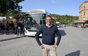Kommunalrådet Peder Björk (S) försvarar beslutet.