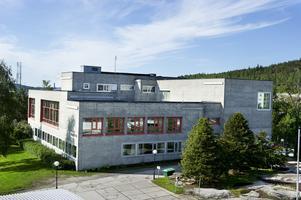 Tingshuset i Örnsköldsvik som det såg ut innan Ting1 byggdes ovanpå.