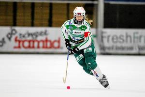 Malin Persson gav aldrig upp trots rekordsnabbt  0–3-underläge, och det gav en poäng borta mot tuffa nykomlingen Skutskär.FOTO: RIKARD BÄCKMAN