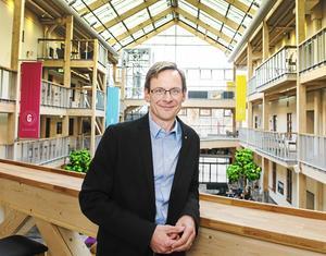 Mittuniversitetets rektor Anders Fällström förnekar att anledningen till att man sekretessbelägger stora delar av en rapport som riktar kritik mot  Miun, skulle vara att man vill undvika negativ publicitet.