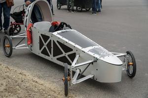 En av de mer avancerade lådbilarna i vårens race. Foto: Victor Oldenburg