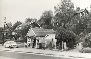 1975 fanns det en glasskiosk längs med Skultunavägen. Foto: VLT:s arkiv