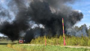 Röken blev extremt kraftig, men det rörde sig inte om någon skogsbrand. Foto: Ulrika Södrén.