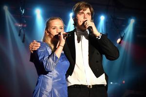 Det blev två nummer från Fantomen på operan. Här framförs All i ask of you där Wilma Björkman sjöng med Henrik Frost, där Henrik återkom i akt två med The music of the night.
