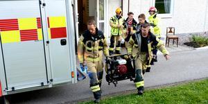 Räddningstjänsten fick hjälpa till att vädra ur lägenheten.