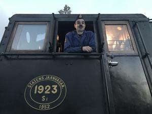 Lokföraren Johan von Oelreich stannade till med tåget på Fågelsjö station på onsdagen, innan resan gick vidare norrut.