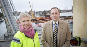 Ulrika Hamberg, projektledare för Mälarprojektet, och Joel Smith infrastrukturdirektör på Sjöfartsverket, berättar att entreprenören Züblin inte levt upp till förväntningarna.