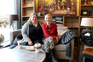 Tanja stöttar sin syster. Hon gav Michelle pralinformar i present och nu hjälper hon till med företaget.