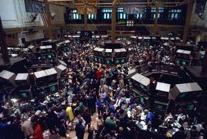 New York börsen 1987. Åttiotalet blev den nyliberala politikens stora genombrottsdecennium och fortsätter ännu att vara politiskt inflytelserik. Foto: Peter Morgan/AP