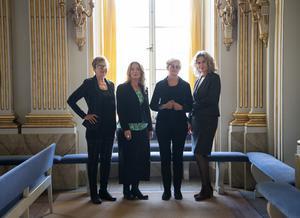 Tua Forsström, Anne Swärd, Ellen Mattson, och Åsa Wikforss i Svenska Akademiens lokaler. Bild: TT
