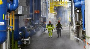 Raffinaderiets anläggningar kommer att släckas ner under underhållsstoppet. Foto: Nynas
