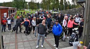 102 000 kronor samlades in till Tappra Barn när en välgörenhetsgolf spelades på Skinnarebo.