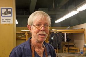 Alf Hansson har 44 års erfarenhet av skomakaryrket.