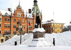 12 januari 2018 Snöberg på torget.