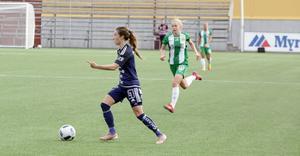 Agnes Dahlström går till attack.