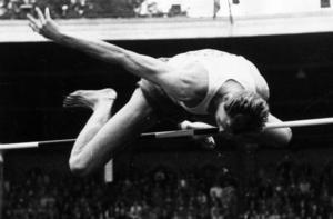 Richard Dahl – Telgebragdsvinnare 1956 – vinner EM-guld på Stockholms Stadion 1958 genom att klara 2,12 i första försöket. Foto: TT/Bonnierarkivet.