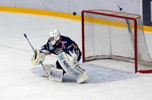 Henrik Edström har hållit nollan i tre av de sex matcher som han har spelat hittills.