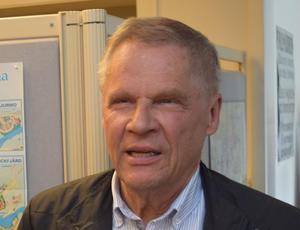 Svante Hanses (KOSA) sa att inte kunde frigöra sig från känslan att motståndet mot partistöd till SD grundades på ett politiskt ställningstagande – och Fredrik Jarl (C) och Stefan J Eriksson (M) betonade att det inte var fallet.