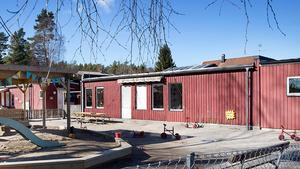 Nya Lillhaga förskola är efterlängtad, men än står den gamla kvar. I dag är förskolebarnen evakuerade till Furuborgskolan. Foto: Mats Andersson