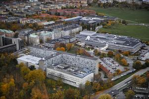 Radiohuset med Sveriges radio (t. v.) och TV-huset med Sveriges television. Foto: Bertil Ericson / SCANPIX.
