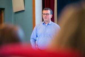 Henrik Hjeltström är i Sundsvall gruppchef för Eons anslutningsservice från Sundsvall och norrut.