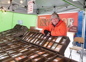 Anders Svensson från Oldensbergs kryddor är en återkommande försäljare i Arboga. Han säger att Arbogaborna handlar ungefär på samma sätt som övriga svenskar.
