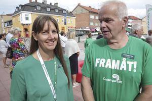 """Sarah Hjälm och Jan Karlsson är, som sig bör, optimister inför valet och hoppas att partiet blir mer än dubbelt stå stort i kommunen. """"Vi tycker att vi har visat väljarna att vi vågar stå på oss och driva en egen centerpolitik."""""""