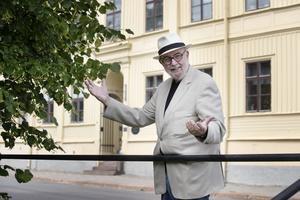 Ulf Ivar Nilsson är van historieberättare och ägnar onsdagen åt att hålla stadsvandring om branden. Den börjar klockan 17 med start på Stortorget i hörnet där Drottninggatan och Norra Slottsgatan möts.