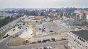 Så här såg det ut vid byggplatsen den 25 april, från ovan. Bilden är tagen med en drönare.