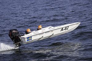 Flygande fart. Anton Modin med Susanne Jansson som navigatör vann EM-tävlingen i A-klassen. Foto: Peter Ohlsson/Pickla