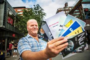 Nabil Dolbani är en av 1 346 myndiga personer i Ronna som inte får rösta i riksdagsvalet. I hela Södertälje får inte 11 366 folkbokförda personer rösta på grund av att de inte har Svenskt medborgarskap.