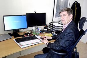 Region Västernorrlands bredbandskoordinator Jan-Erik Boström jobbade tidigare i Västerbotten där man har varit betydligt mer alert när det gäller att förse befolkningen med snabbt bredband.