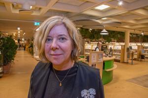 Maj Eriksson, bibliotekschef i Östersund, konstaterar att besöksstatistiken håller fortsatt hög nivå.