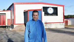 Jerzy Rolka jobbar sedan 2015 som slaktare vid Siljans charks slakteri i Ickholmen.