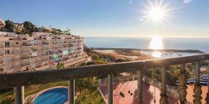 Både hus och lägenheter med havsutsikt finns till salu i den nya Spaniensatsningen, här ett lägenhetskomplex i Alicante. Foto: Fastighetsbyrån