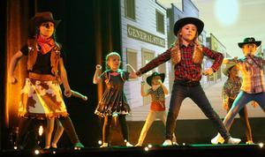 Wild Wild West dansades av barn i åldrarna 7-9 år.