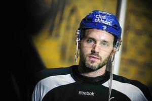 Jesper Ollas fick det perfekta avslutet på sin tid i Leksands IF när han spelade fram till August Bergs avgörande mål mot Mora i den femte kvalmatchen lagen emellan.