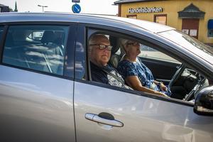 Rune Johansson tycker det är bekvämt att ta bilen som färdmedel.