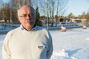 Roy Uppgård sitter i fullmäktige i Region Dalarna, samt dess fastighetsnämnd och hälsovårdsberedning och i kommunfullmäktige och kommunstyrelse i Avesta. Dessutom är han vice ordförande i Kristdemokraterna i Dalarna.